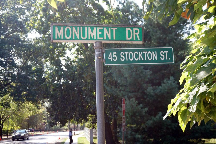 Straßenschild  Princeton, MONUMENT Drive Ecke Stockton Street